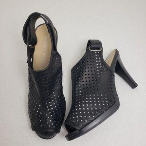 Audrey Brooke Peep Toe Slingback Black Heels Sz 8